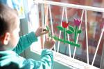 Весенние фрески на окне