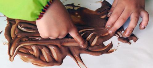 Пальчиковое рисование шоколадом